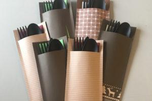 Papírové kapsičky s příbory
