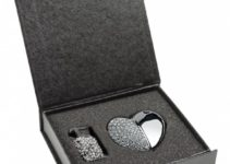 USB ve tvaru srdce