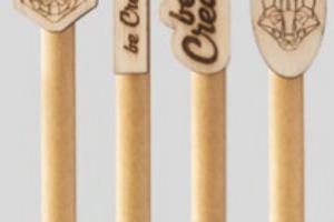recyklovatelné dřevěné pero na zakázku