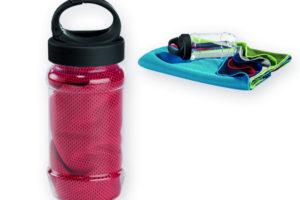 chladící ručník v plastové sportovní lahvi