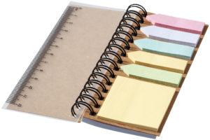zápisník s lepítky a pravítkem