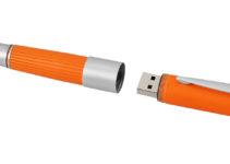 Pero s USB pamětí