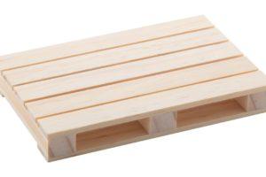 Dřevěný podtácek ve tvaru mini palety
