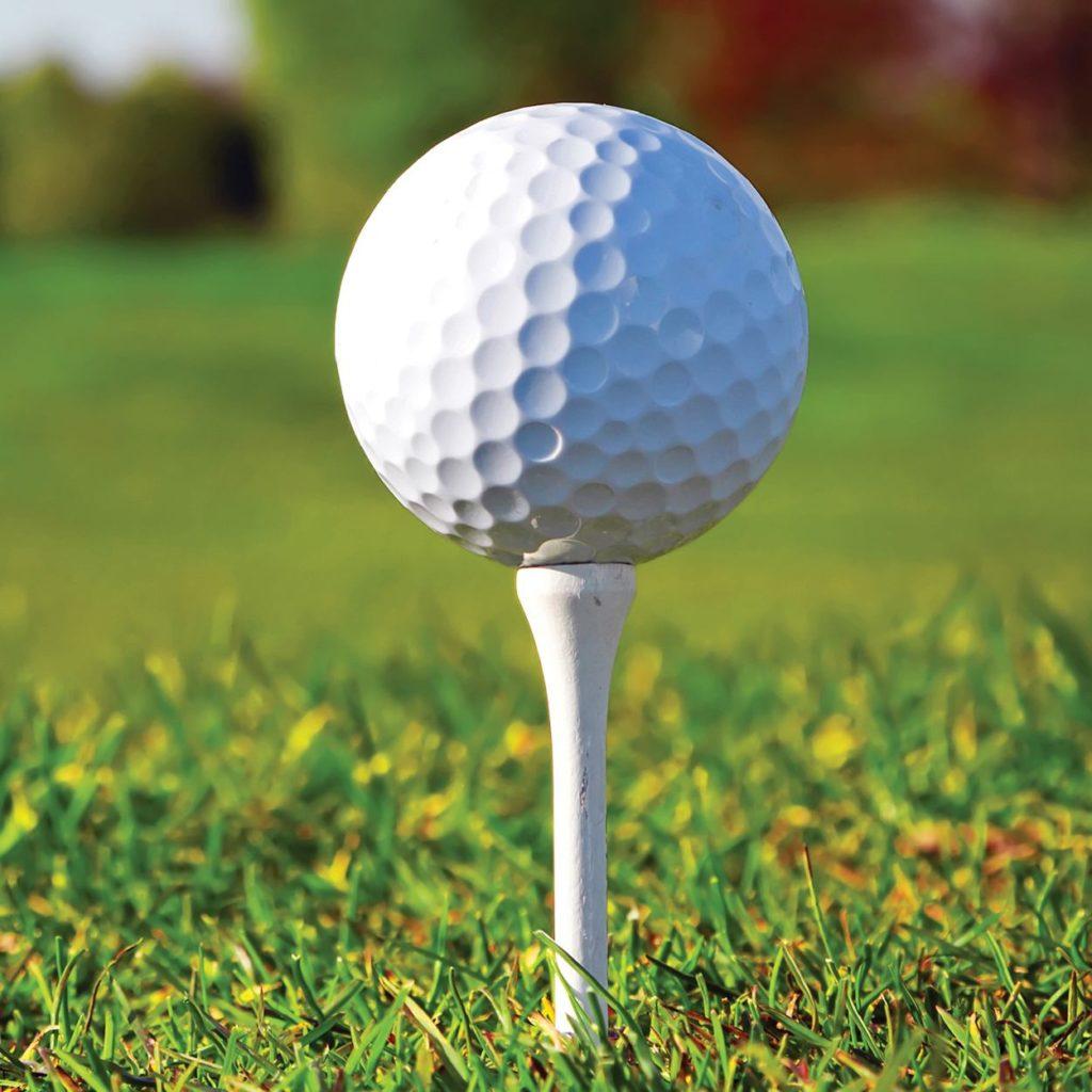 Plastový golfový míček