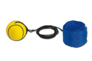Plastový bumerangový míček s textilním náramkem