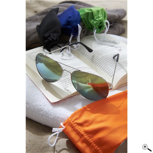 Sluneční brýle s pouzdrem