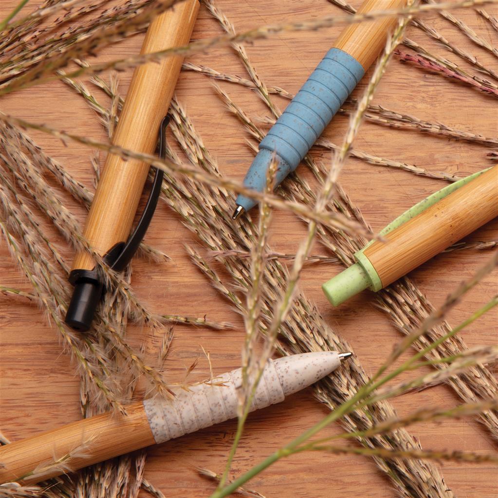 Kvalitní kuličkové pero z bambusu