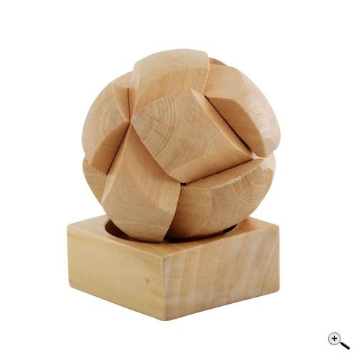 Puzzle ve tvaru míče ze dřeva