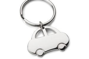 Klíčenka ve tvaru auta