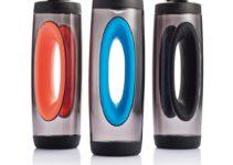 Sportovní láhev na vodu kultovního tvaru pro držení
