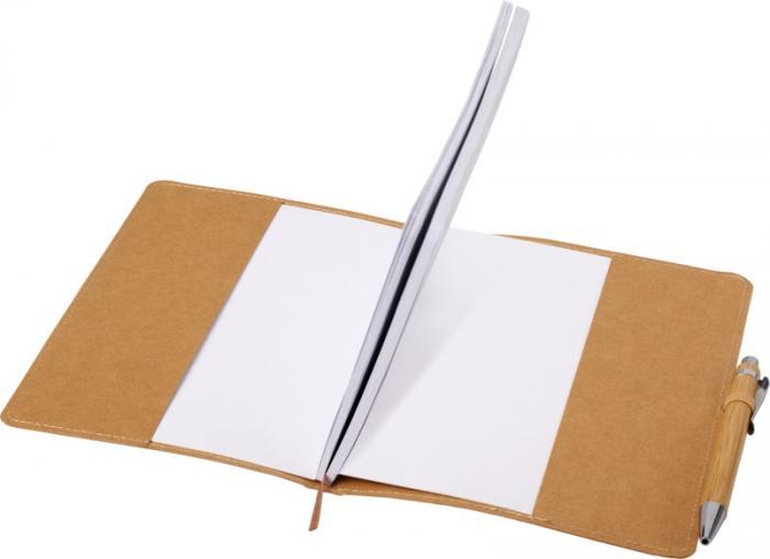 Blok s odolnými deskami včetně propisky